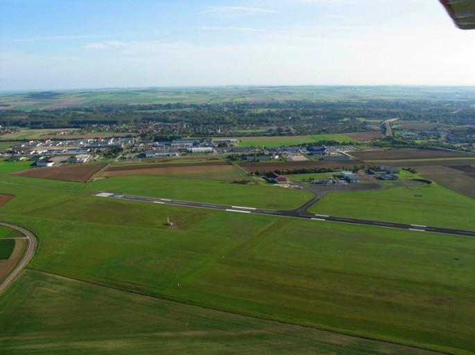 Piste d'atterrissage - LFQB - Troyes - vue aérienne