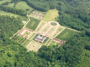 Château de Montjeu, Bourgogne - France - Vue aérienne